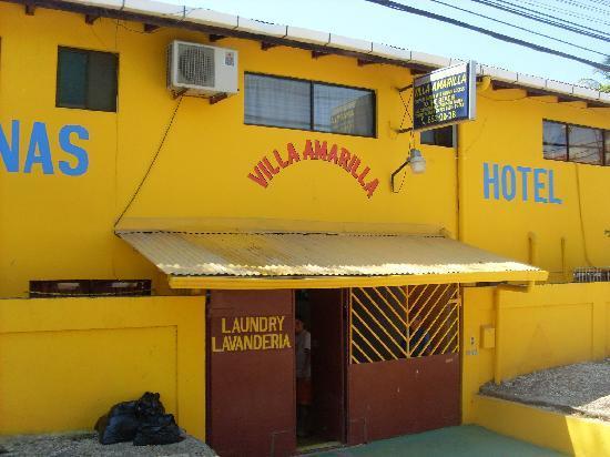 Horizon Villas Tamarindo: Entrée de la villa amarilla