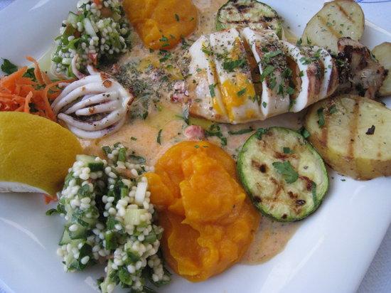 Naoussa Restaurant : Stuffed Calamari