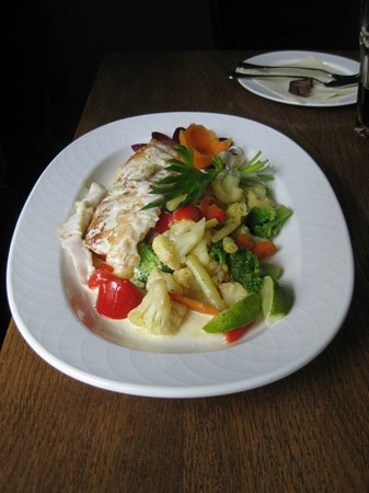 Bar & Restaurant Petergailis: The perfect fish: pikeperch on white wine sauce