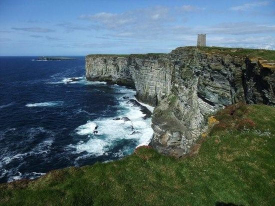 St. Mary's, UK: Kitchener memorial, Marwick Head, Orkney