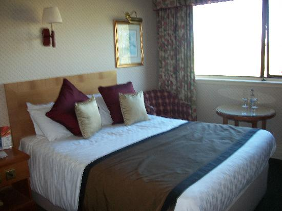 Riverside Lodge Hotel: Are room