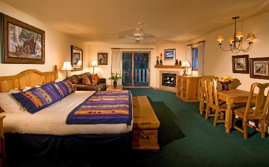 Alpine Village Suites: King Suite