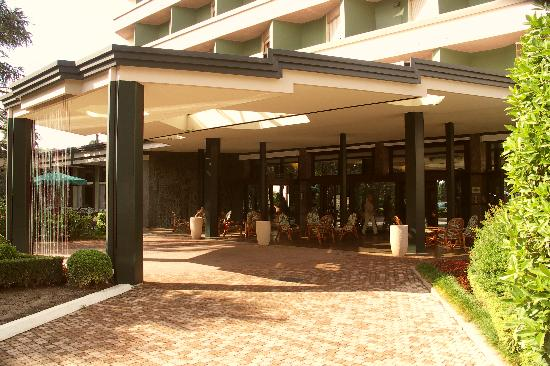 Hotel Garden Terme: Entrée de l'hôtel