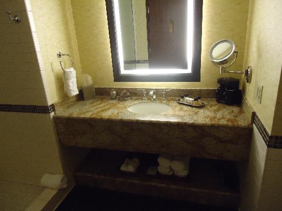 Durant, OK: Bathroom Vanity
