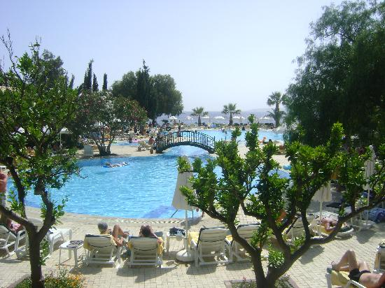 Labranda TMT Bodrum Resort : the pool area during the day