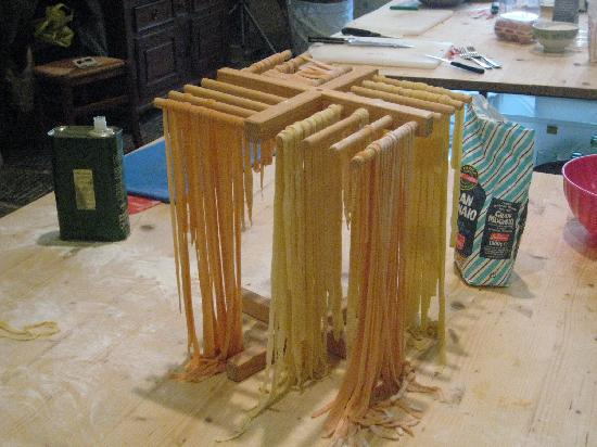 Good Tastes of Tuscany - Day Classes : Pasta drying