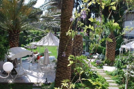 Garden and gazebos at il giardino segreto picture of bed