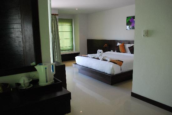 APK Resort: Big room