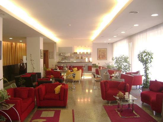 Europe Hotel: lobby