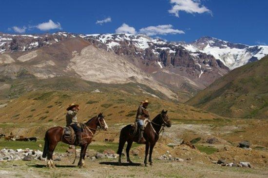 Regio Libertador General Bernardo O'Higgins, Chili: El saludo de los gauchos