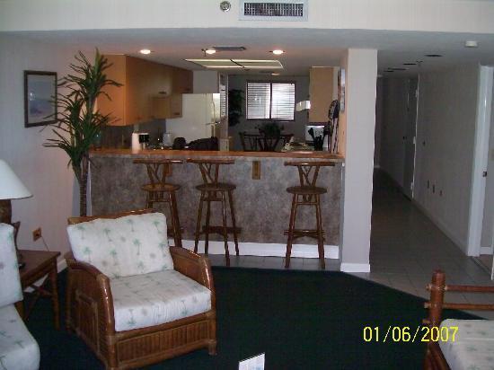 oceanfront presidential suite days inn and suites key. Black Bedroom Furniture Sets. Home Design Ideas