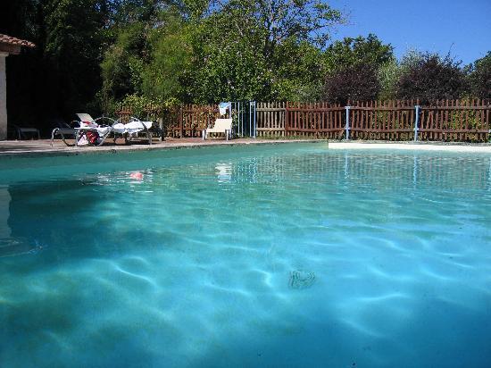 Les Chenes : La piscine