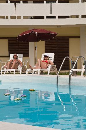 Apartments Los Nardos : piscina2