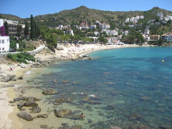 เอมพูเรียเบรวา, สเปน: La plage de Canyelles, pas loin d'Empuria et de Roses