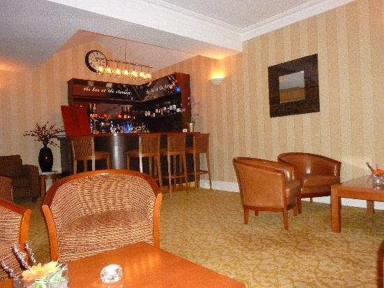The Clarence Hotel: Bar/ Lounge area