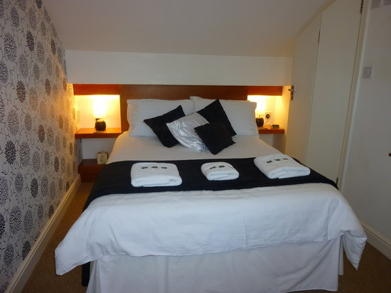 202 Guest House : Nice bed