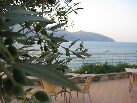 Mirabello Beach & Village Hotel: Terrace