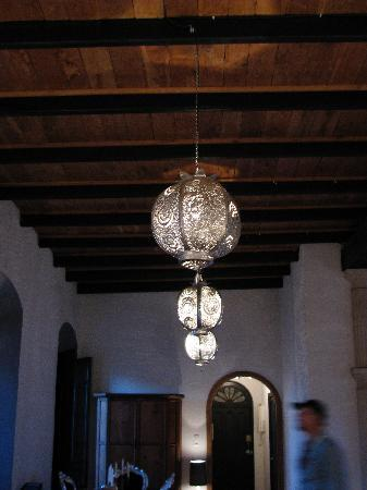 Dar Cilla Amadeus Apartment Lighting Fixtures