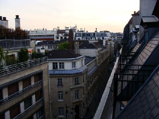 Paris, France: Vista da Janela 1