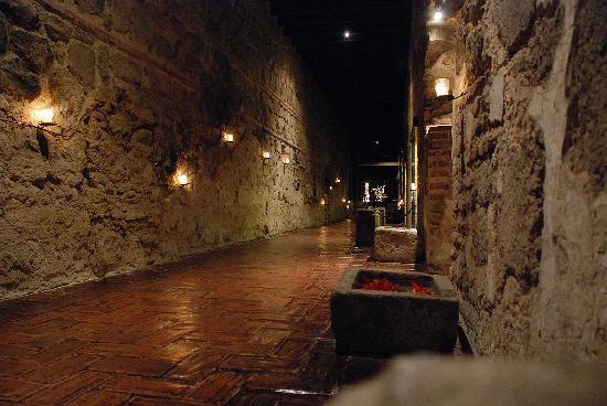 Hotel Museo Spa Casa Santo Domingo: Corredor interior del hotel (Restos del convento)