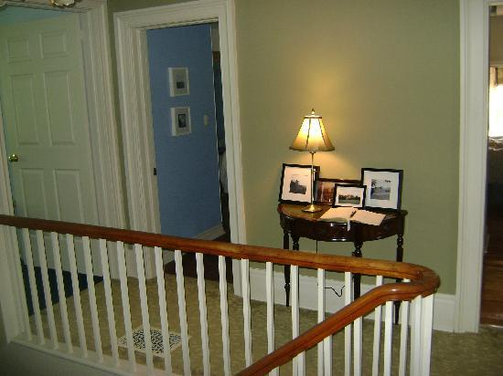 Tynavon Bed and Breakfast : Upstairs by rooms