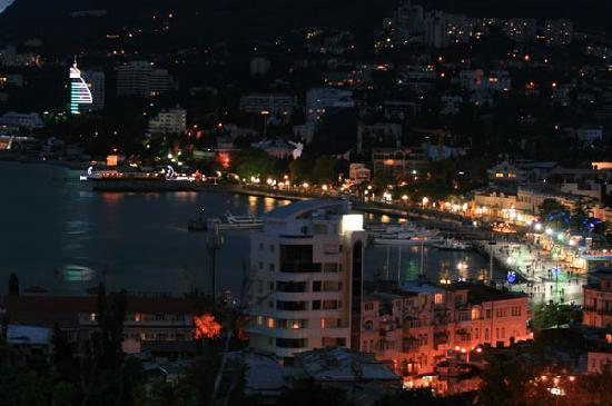 Jałta: Yalta by night