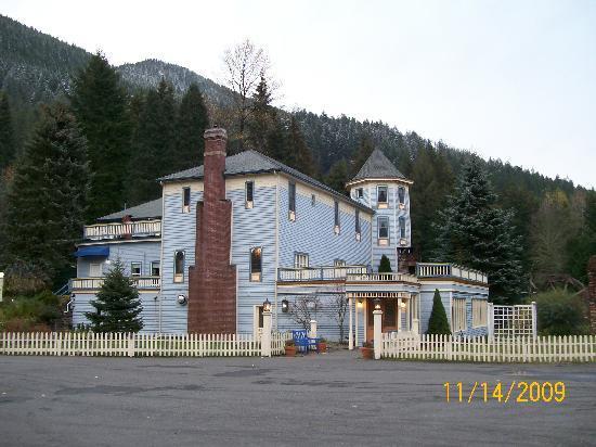 Alexander's Restaurant : Alexander's Historic Inn and Restaurant