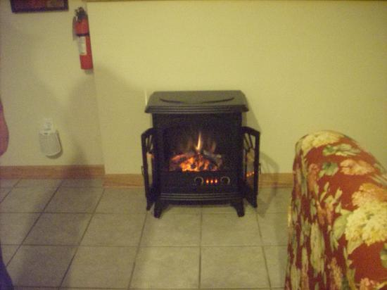 Graystone Cottages: THE COZY LITTLE FIREPLACE