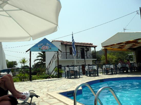 Troulos, Greece: Villa Rosa Apts