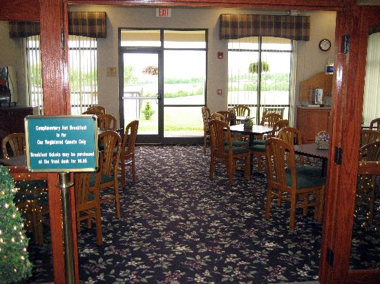 Holiday Inn Express Orange: Breakfast room
