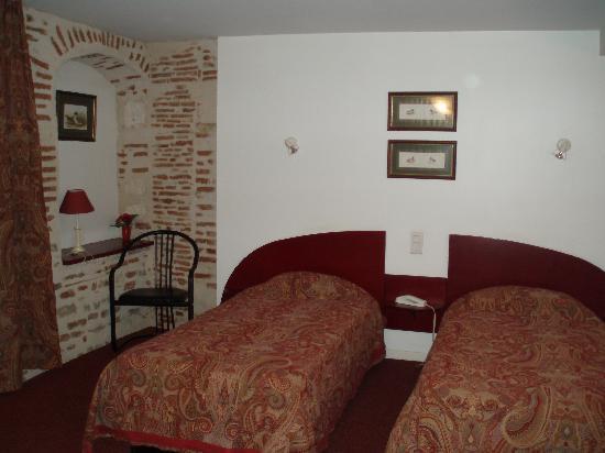 Hôtel Jean XXII : Une chambre à la décoration soignée
