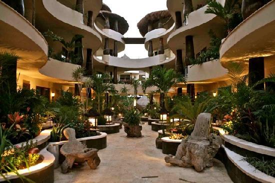 El Taj Oceanfront & Beachside Condos Hotel : El Taj Ocean Front