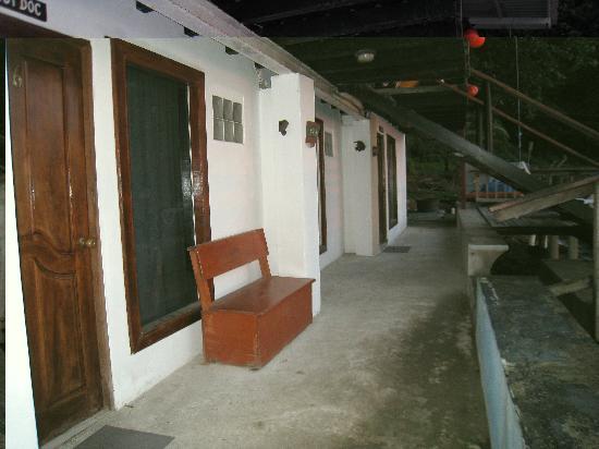 Octopus Garden Hotel & Dive Resort: Ocean View Rooms