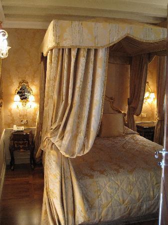Hotel Canal Grande: bedroom