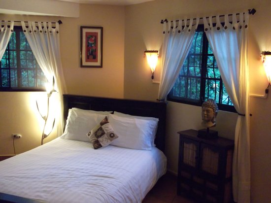 Boquete Garden Inn: The beautiful room.