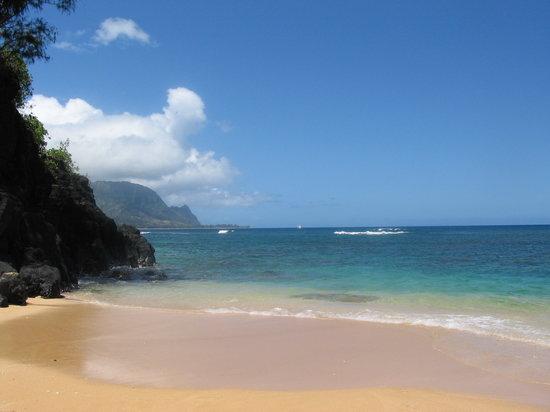Kayak Hanalei: Beautify snorkeling beach