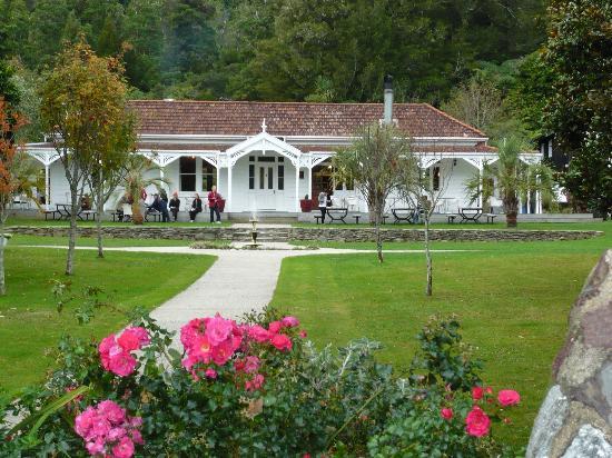 Furneaux Lodge: The main building