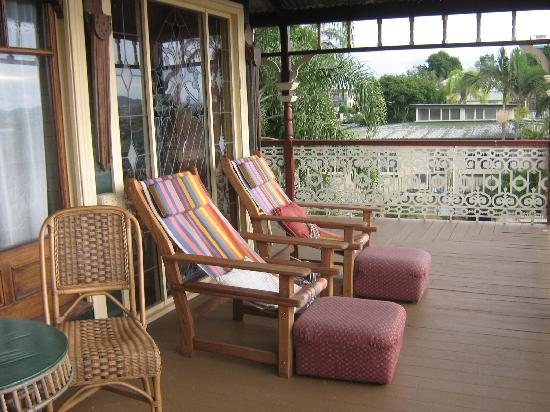 Franklin Villa: Another of the many verandahs