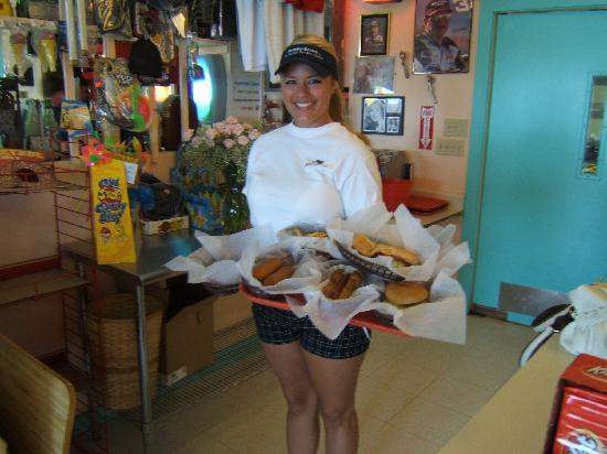 Island Delights: GREAT FOOD AND SERVICE