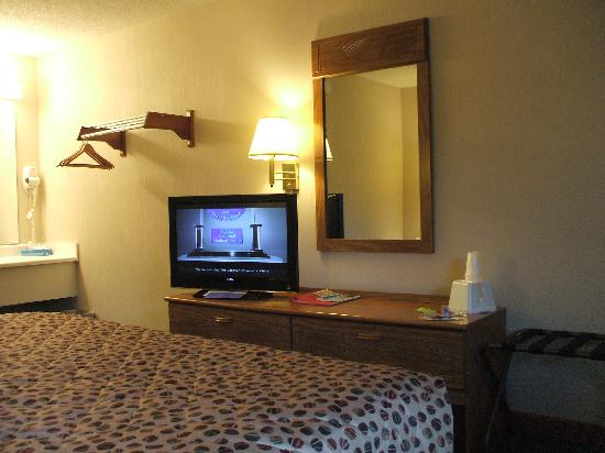Lynina Inn: Nice new TV