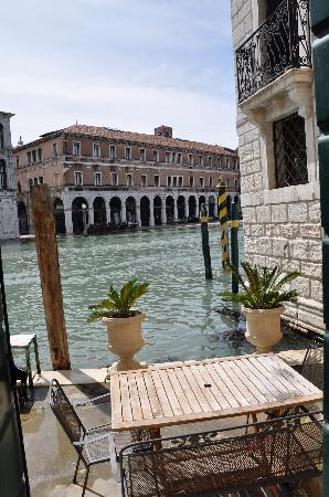 Al Ponte Antico Hotel: A small patio for the water taxis outside of our room