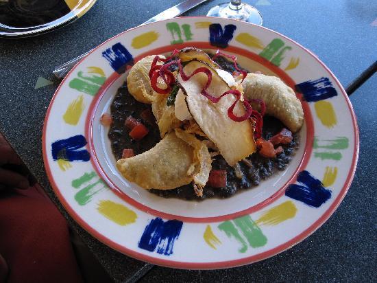 Pine Shadows Cabins: Cafe Diablo empanadas