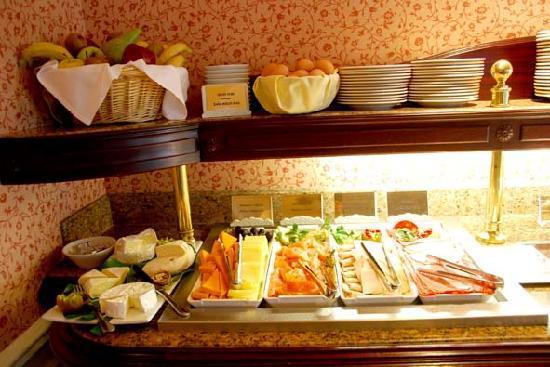โรงแรมดิสนีย์แลนด์: Breakfast Castle Club 2
