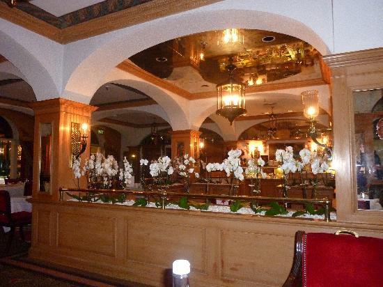 The Chesterfield Mayfair: Breakfast buffet