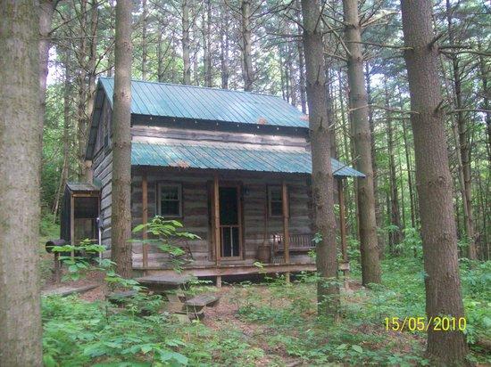 Hocking Hills Frontier Log Cabins: CABIN SWEET CABIN