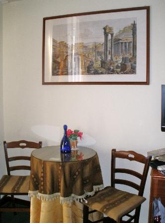 Delia Accomodation B&B: Tea table where we had our breakfast