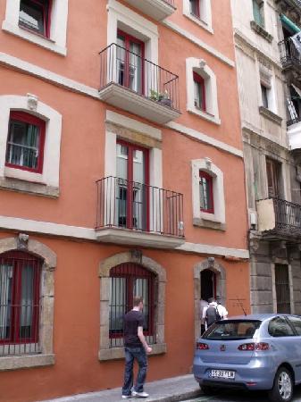 Freestanza Accommodation: Outside view
