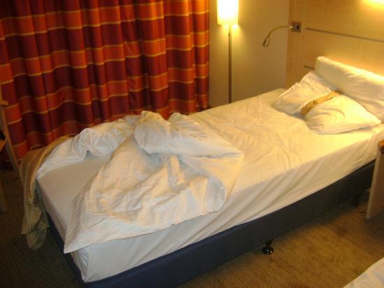 Rumlang, سويسرا: small beds