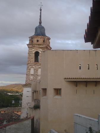 Hotel castillo de Ateca y torre del Reloj