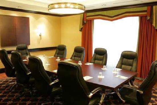 Homewood Suites by Hilton Cambridge-Waterloo, Ontario : Boardroom